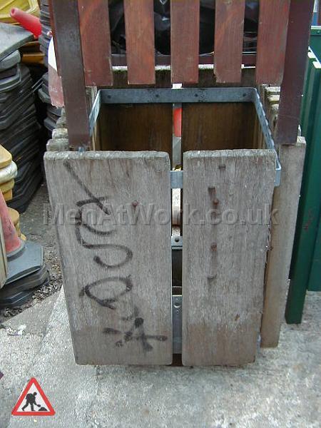 Street Bin – Slatted Square - Square wooden slatted bin