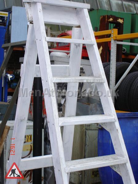 Step Ladder – Grey - Step ladder – painted grey (2)