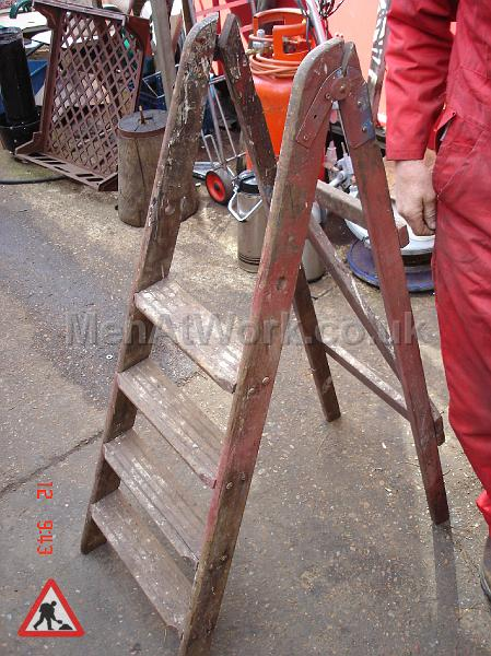 Wooden Step Ladders Various Sizes - Step ladders – wooden (3)