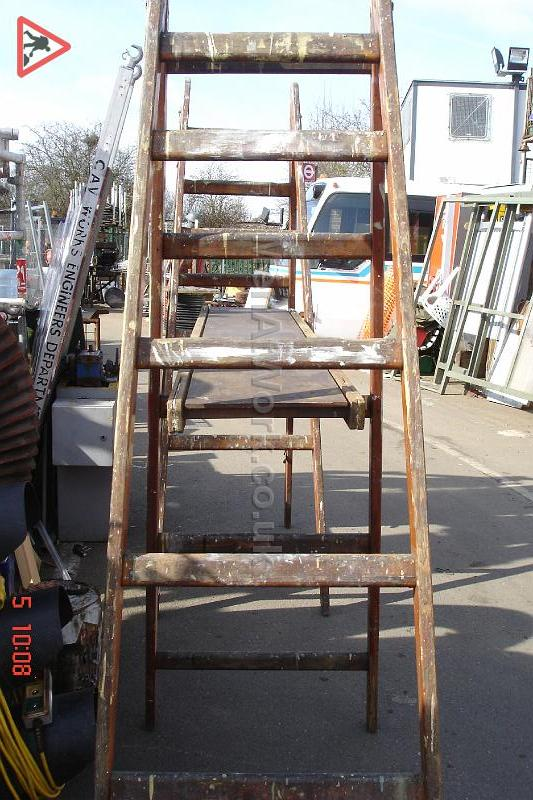 Wooden Step Ladders Various Sizes - Step ladders – wooden (5)