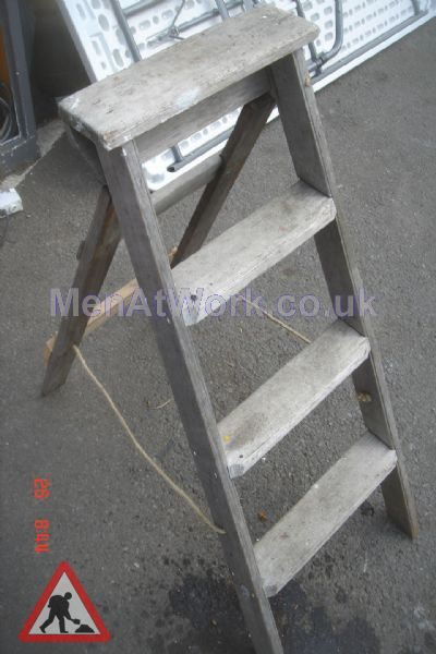 Wooden Step Ladders Various Sizes - Step ladders – wooden (6)