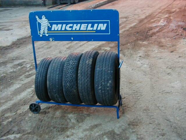 Tyre rack - TYRE RACK