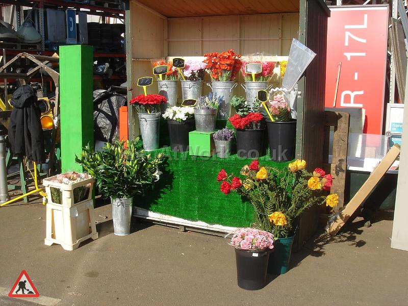 Timber Flower Stall - Timber Flower Stand
