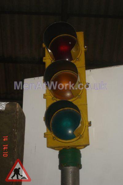 Traffic Light - Mounted