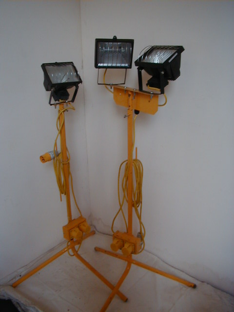 Tripod Flood Lights - Tripod Flood Lights Yellow Stand (2)