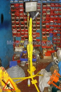 Tripod Flood Lights - Tripod Flood Lights Yellow Stand