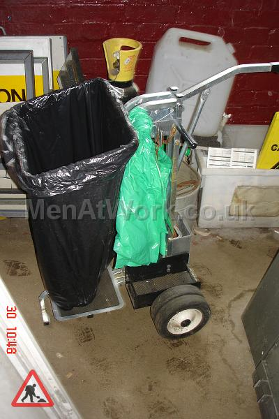Cleaning Trolley - Metal trolley with handle