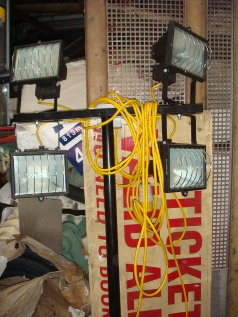 Twin Flood Lights Stand - Twin Flood Light Stand (3)