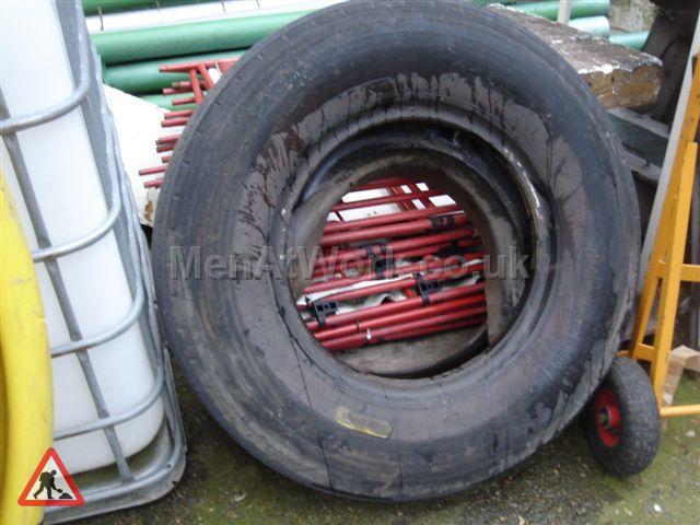 Tyres - Tyre1