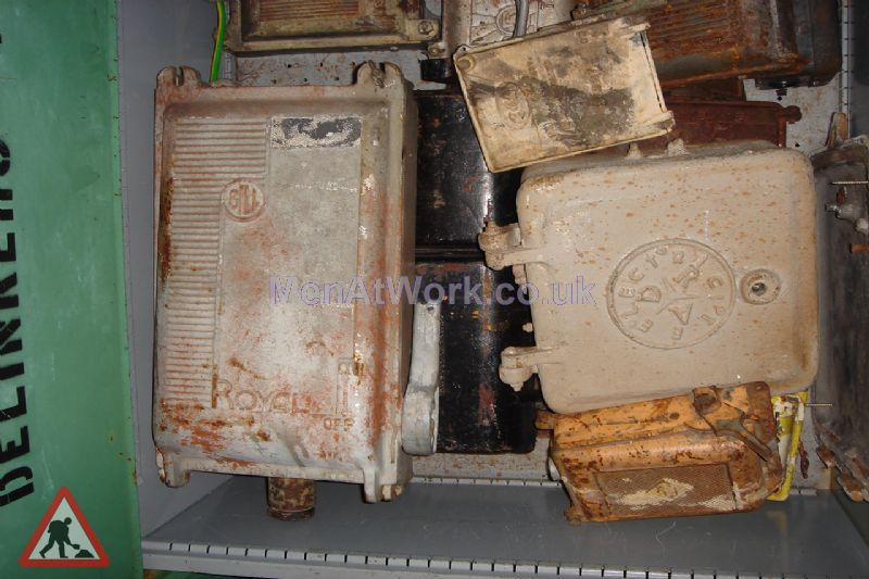 Various Electrical Switch Boxes - Various Electric Switch Boxes (2)