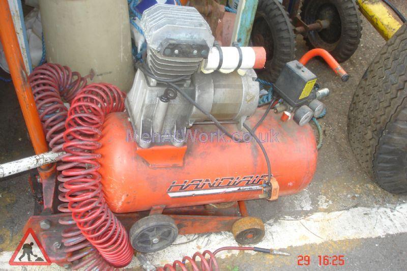 Various Garage Props - Compressor Electric