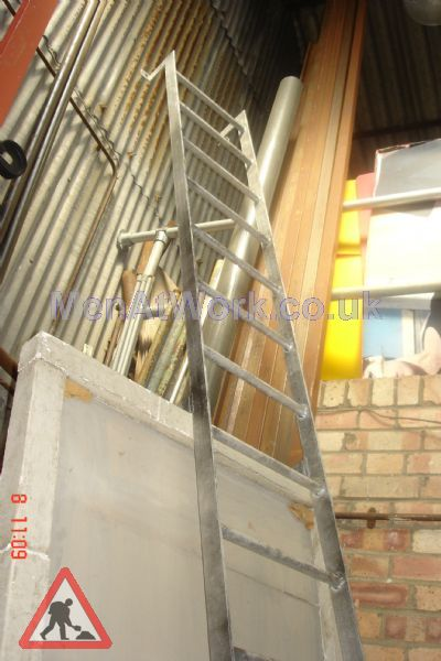 Wall Mounted Building Ladder - Wall Mounted Ladder