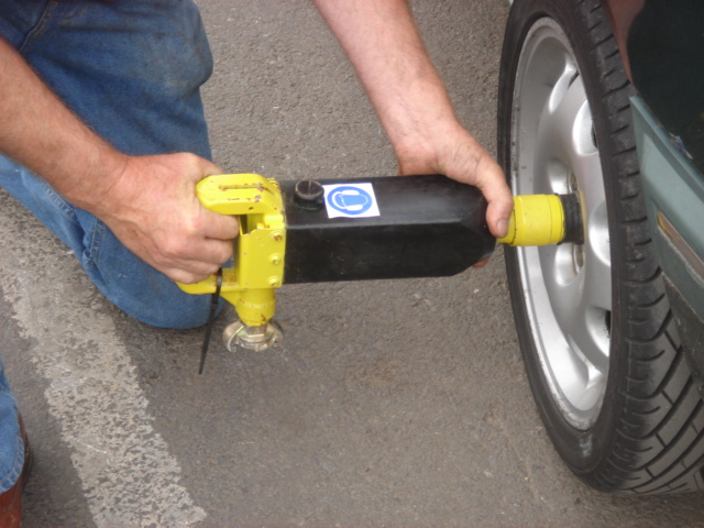 Wheel Nut Remover - Wheel Nut Remover