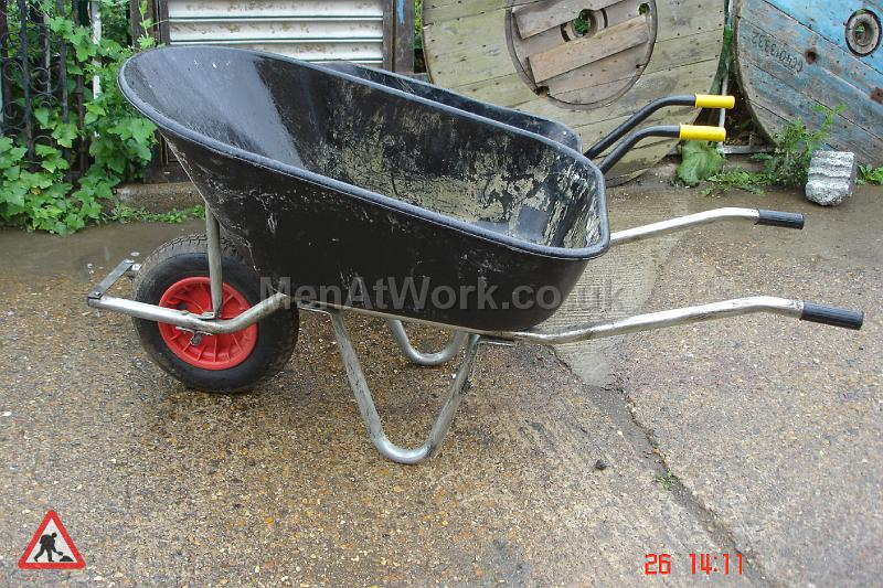 Wheelbarrows - Wheelbarrows- black