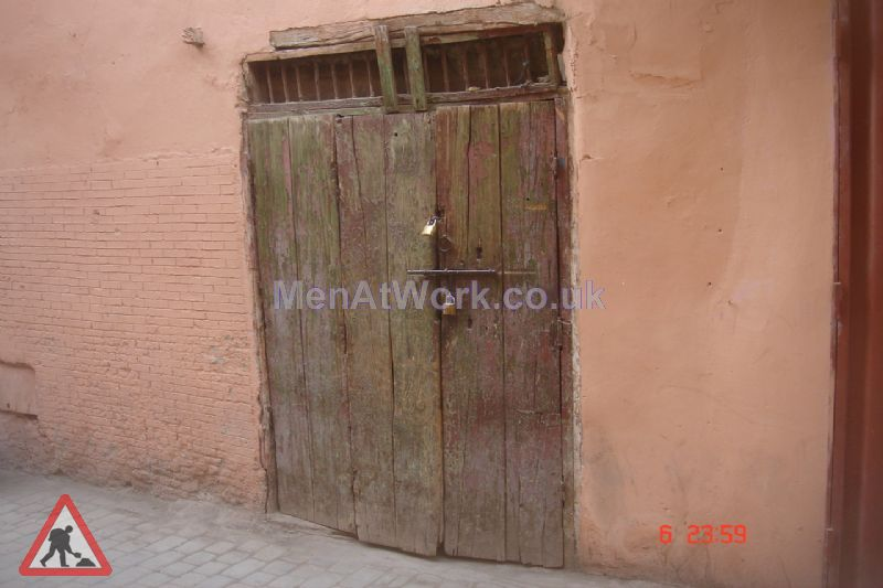 Middle & Far East dressing – reference - Wooden Door