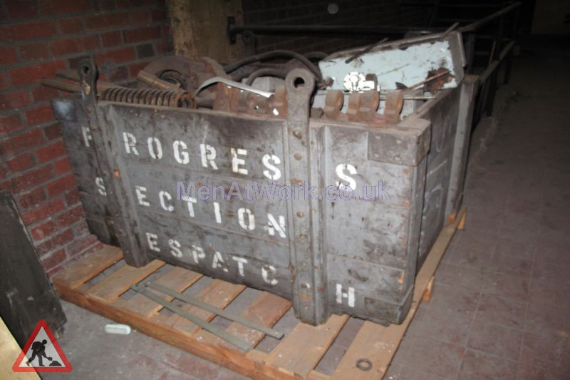 Wooden crate- iron - Wooden crate-iron