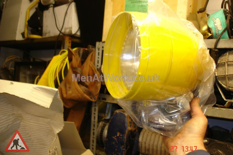 Yellow Factory Lights - Yellow factory light (2)