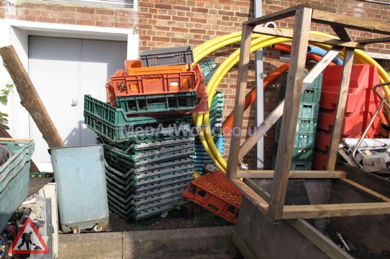 Plastic creates various - bread baskets and plastic crates (10)
