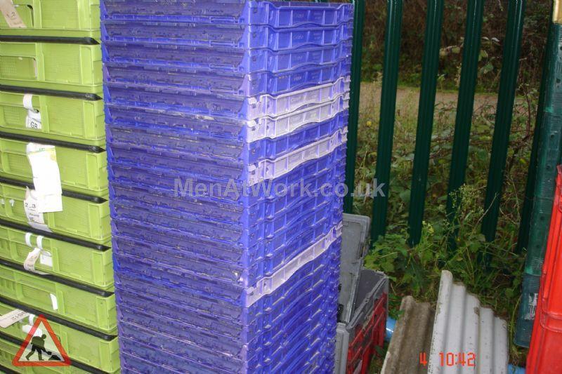 Plastic creates various - bread baskets and plastic crates (13)