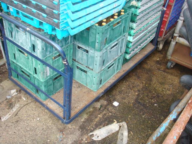 Plastic creates various - bread baskets and plastic crates (17)