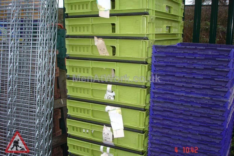 Plastic creates various - bread baskets and plastic crates (18)