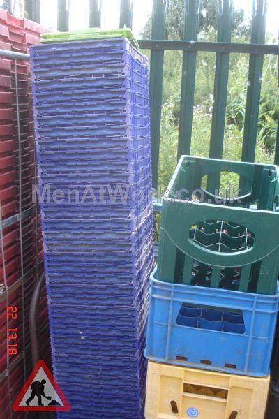 Plastic creates various - bread baskets and plastic crates (3)