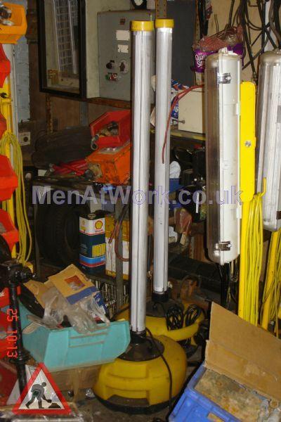Fluorescent Tube Light Stands - fluorescent tube light on stands (2)