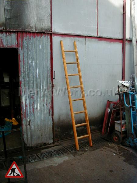 Wooden Ladders – Various Sizes - ladder 7 – 7′ 5