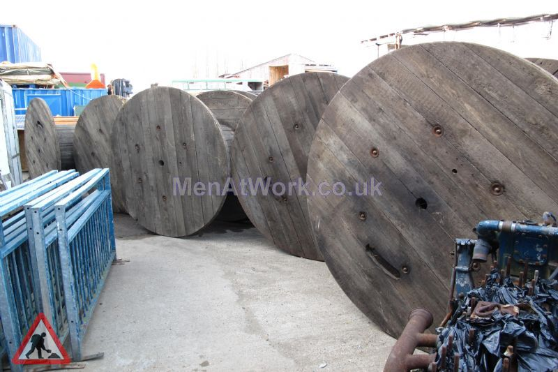 Cable Drums - medium cables and drums (11)