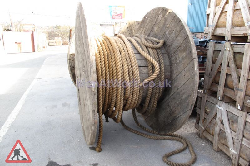 Cable Drums - medium cables and drums (13)
