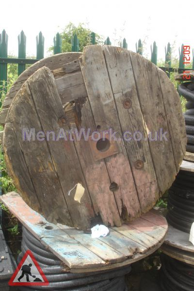 Cable Drums - medium cables and drums (5)