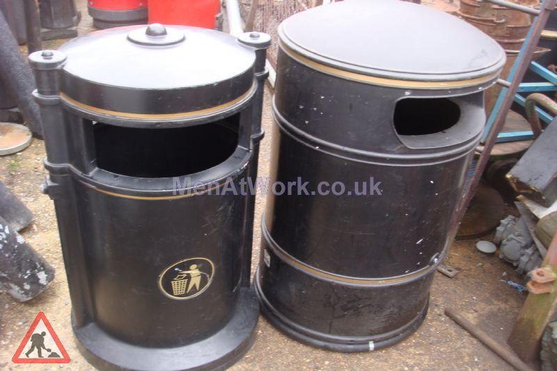 Street Bin – Round - street bin – black