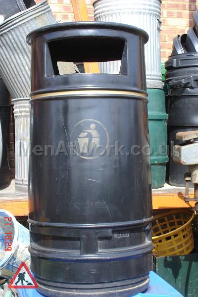 Street Bin – Round - street bins black (2)