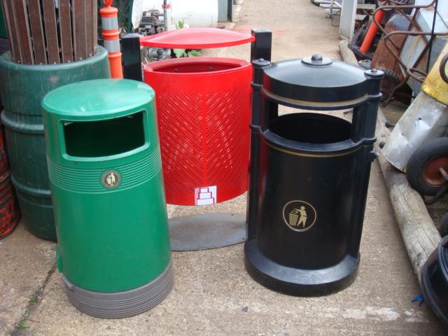 Street Bin – Round - street bins black