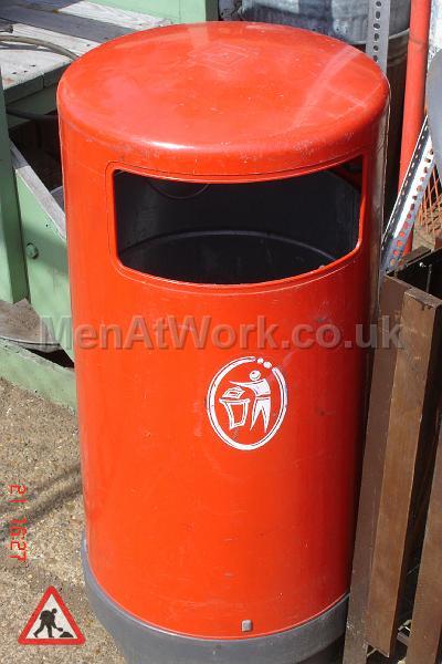 Street Bins various - street bins – red (4)