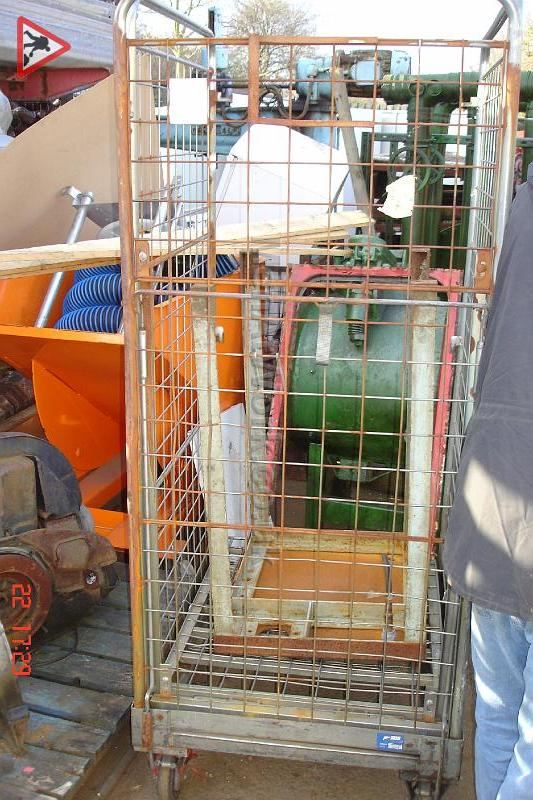 Supermarket Roll Cages - supermarket cages (2)