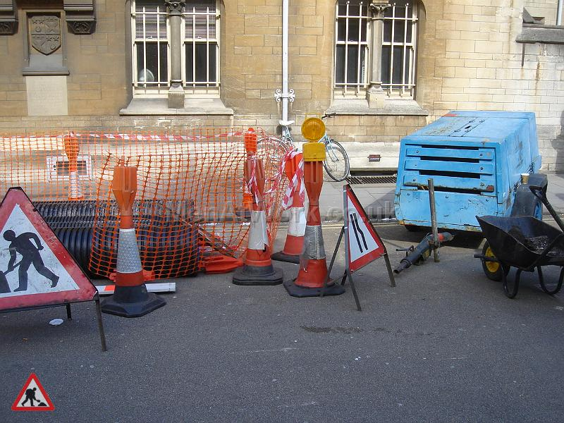 Road works – references - DSC04059