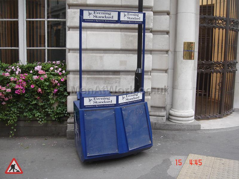 Evening Standard Newspaper Stand - Evening Stand Stall