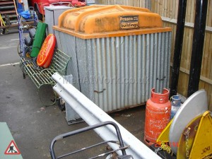 Metal Workmans Hut - Metal Workmans Hut