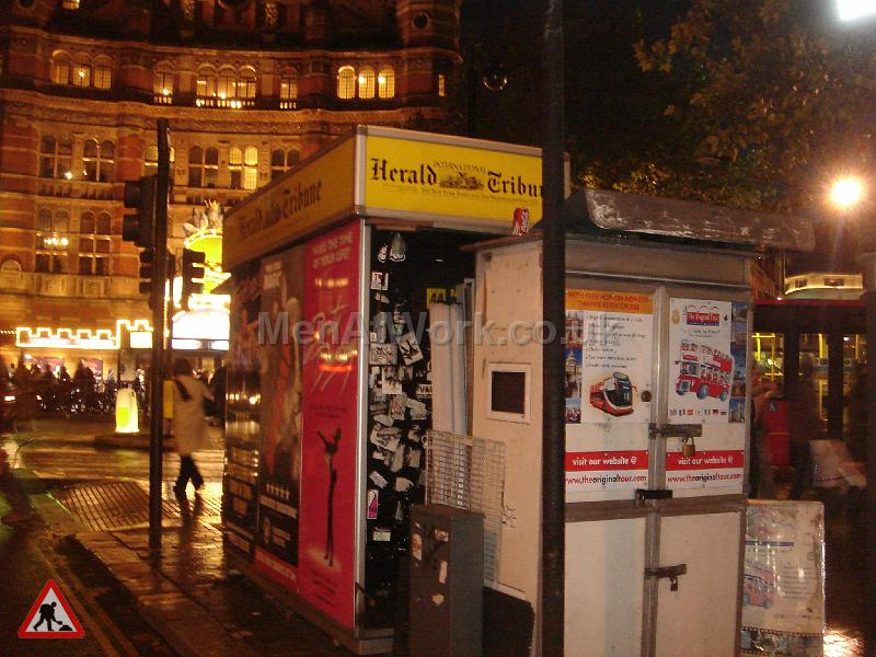 Newspaper Stall with Interior - Newspaper Stall with interior (2)