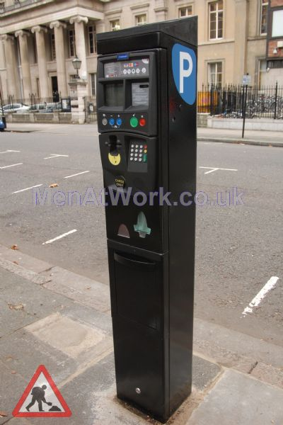 Parkeon Ticket Machines - Parkeon solar-powered Strada card-only P and D terminal.jpg