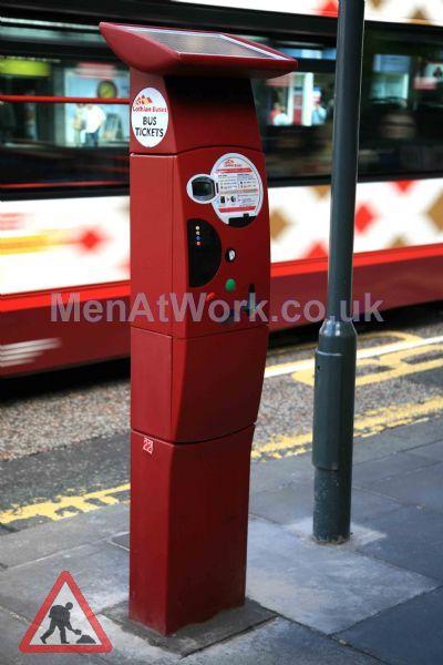 Parkeon Ticket Machines - Parkeon solar-powered bus ticketing terminal