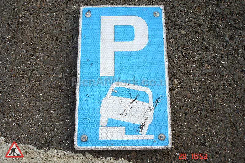 Parking Signs and Pay & Display - Parking Signs and Pay and Display (32)