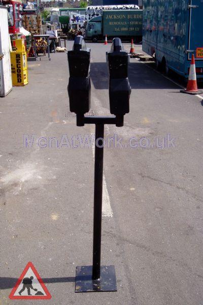 Twin Parking Meters - Parking meter black 2a