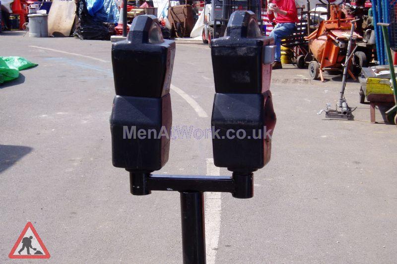 Twin Parking Meters - Parking meter black 2b