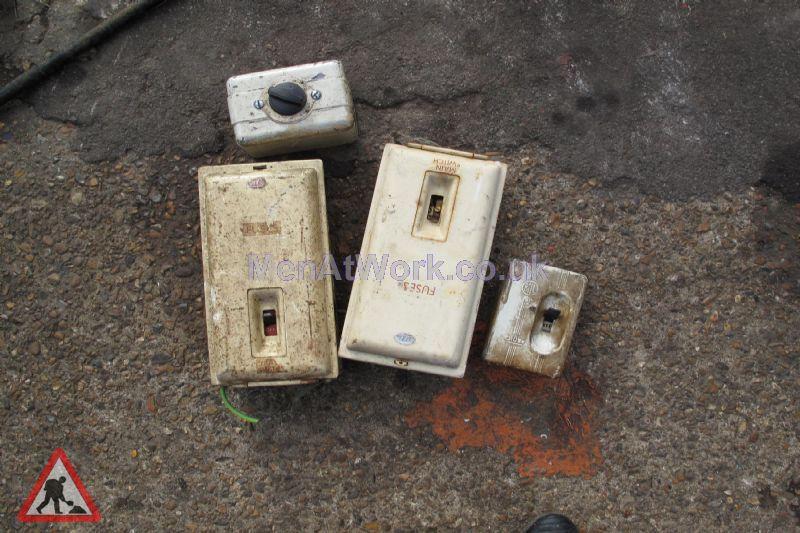 Period – Electrics & Control Units - Period – Electric Units & Controls (28)