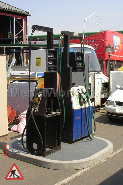 Petrol Pumps - Petrol Pumps (4)
