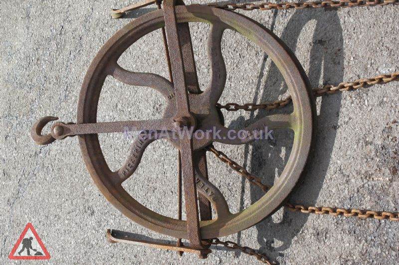 Pulley Wheel And Chain - Pulley Wheel