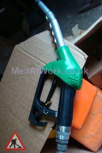 Petrol Pump Nozzles - Pump Knozell