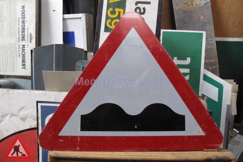 Road Signs – Triangle Warning Signs - Road Signs – Triangle Warning (11)